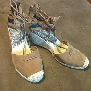 dv Manica Ghillie Espadrille Wedge Sandals